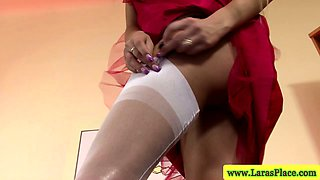 Sexy mature in stockings masturbating in high definition