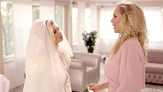 Killing hot cougar Julia Ann is licking pussy of bride stepdaughter