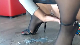 Pantyhose Milf, Extreme Squirting Pussy, Sexy Nylon feet in heels.