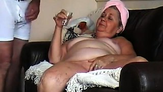 Curvy granny plays with her pussy and swallows a hot cumload