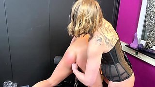 Tripple anal fisting beautiful babe and four anal