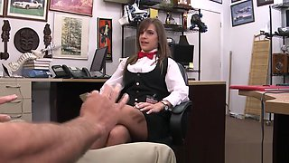 Amateur pawnshop babe ducking before sex