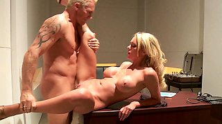 Bombshell MILF Paige Ashley Seduce Officer to Fuck her