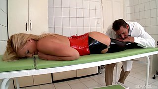 Naughty doctor tied up Kathia Nobili to fuck her with pussy