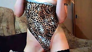 See this creamy wet blonde pussy upclose to her cam! She