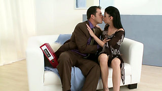 Hot Young Teen Seduce to Fuck at Work by her own Boss