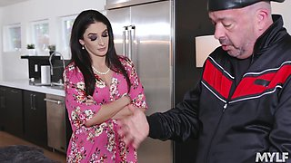 Cheating brunette MILF wife Sheena Ryder switches from toy to cock