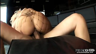 Glamour milf loves fucking with two big dicks