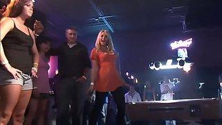 Drunk Club Chicks Flashing The Crowd - DreamGirls