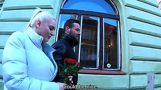 HUNT4K. Man with flowers should watch how hunter
