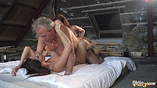 Old drunk never even dreamed of fucking two young babes