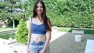 Italian babe Rebecca Volpetti gets her anus stretched in the garden