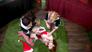 Two present-wrappers punish naughty boss in dirty way