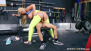 Alura TNT Jenson & Ricky Spanish in Cumming On A Little Strong - BRAZZERS