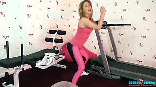 Sizzling sport chick Sophie Star shows striptease at the gym