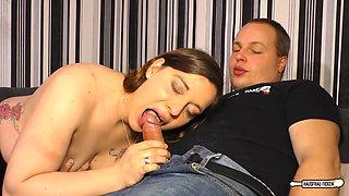 Hausfrau Ficken - Steamy sex with amateur German housewife