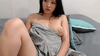 Asian Amateur Babe Live Cam