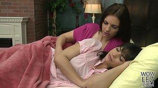 Busty mature Mindi take care of Violet Starr