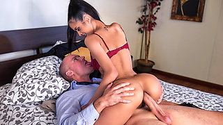 Abby Lee Brazil & Sean Lawless in Slut Hotel: Part 1 - Brazzers