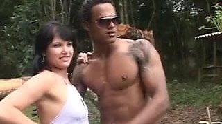 Daniela Perdida No Mato#