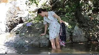 Quelee bathing in river