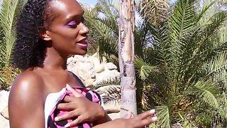 black pregnant - naudiajames