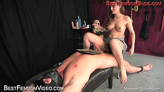 Milked and fed by gorgeous Mistresse Lydia