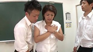 Married Woman Teacher in Train - full ctoan