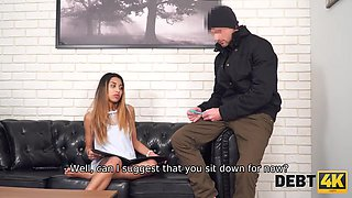 When man comes for debts, model decides to seduce him