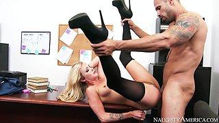 Karla Kush & Karlo Karrera in Naughty Office