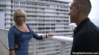 Busty mature goddess Mellanie Monroe facesits her lover