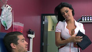A hot nurse gets penetrated in the hospital exam room