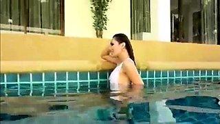 Gorgeous Ladyboy Having Fun In Swimming Pool