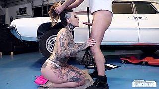 BUMS BUERO - Tattooed German babe fucked by car mechanic
