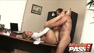 Sweet PAWG Secretray Brooklyn Lee Jizzed On
