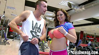 Sirale is keen on boobs and mouth workout
